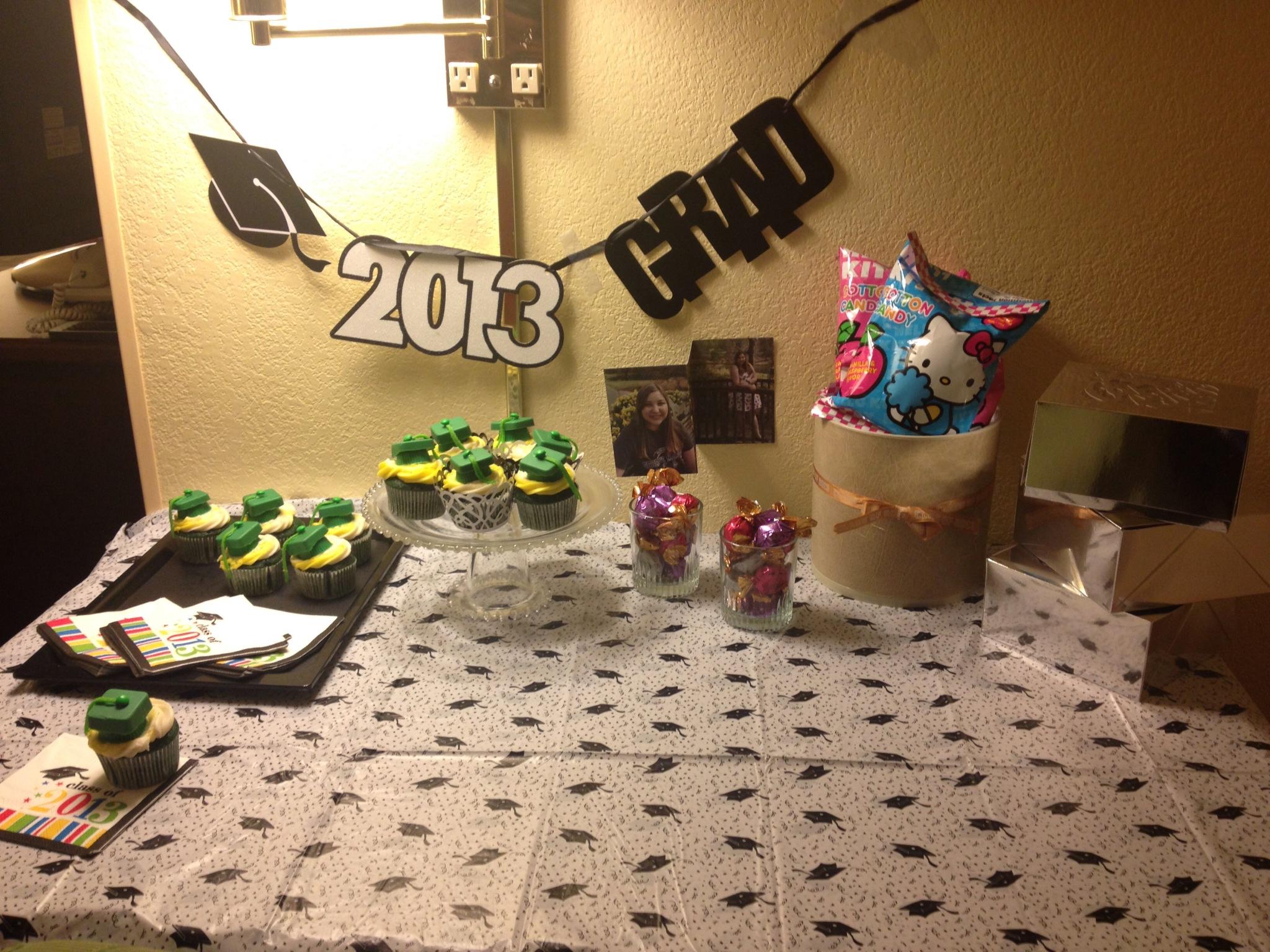 Hapa Tite Green Velvet Graduation Cupcakes